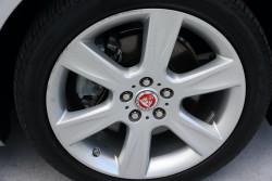 2015 MY16 Jaguar Xe X760 MY16 20d Sedan Image 5