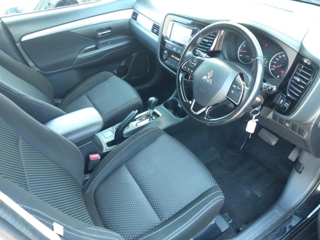 2016 Mitsubishi Outlander ZK MY16 LS Suv Image 14