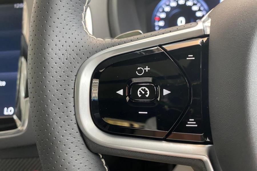 2019 Volvo XC90 L Series D5 R-Design Suv Image 17