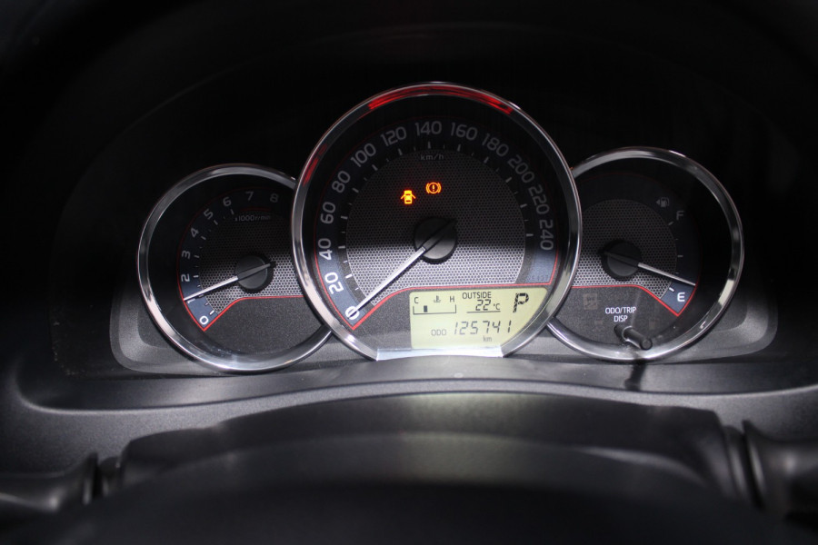 2013 Toyota Corolla ZRE182R Ascent Hatchback Image 13