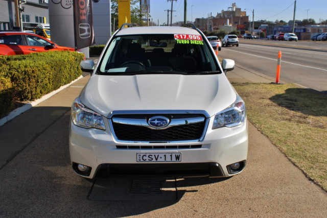 2013 Subaru Forester S4 2.0D Suv Image 3