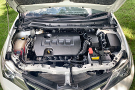 2013 Toyota Corolla ZRE182R Ascent Sport Hatch Image 3