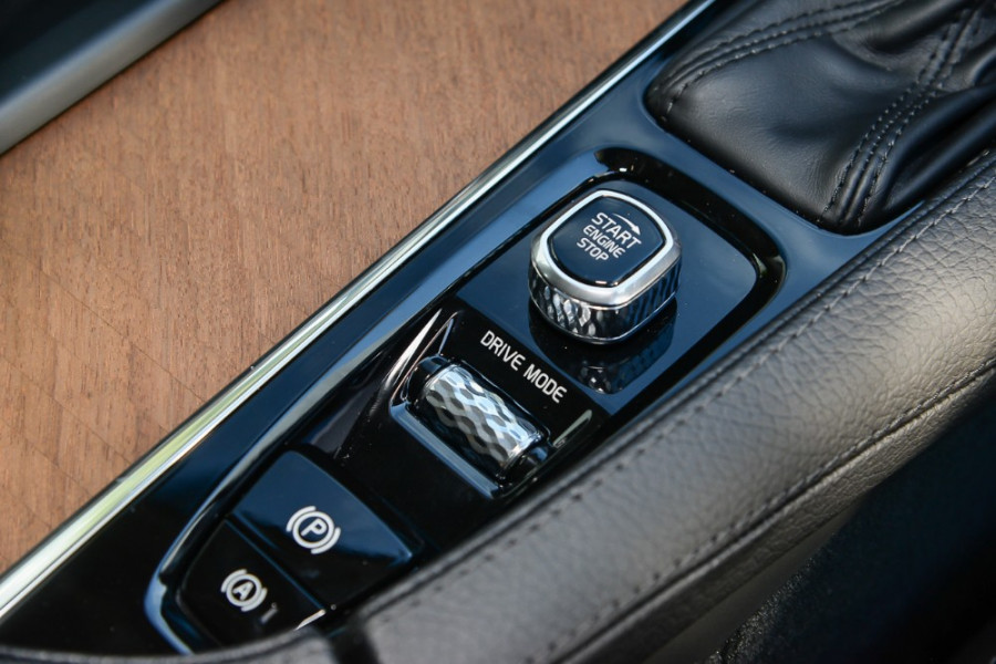 2018 Volvo XC90 L Series D5 Inscription Suv Image 12