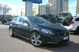 Volvo V40 T4 - Kinetic M Series  T4