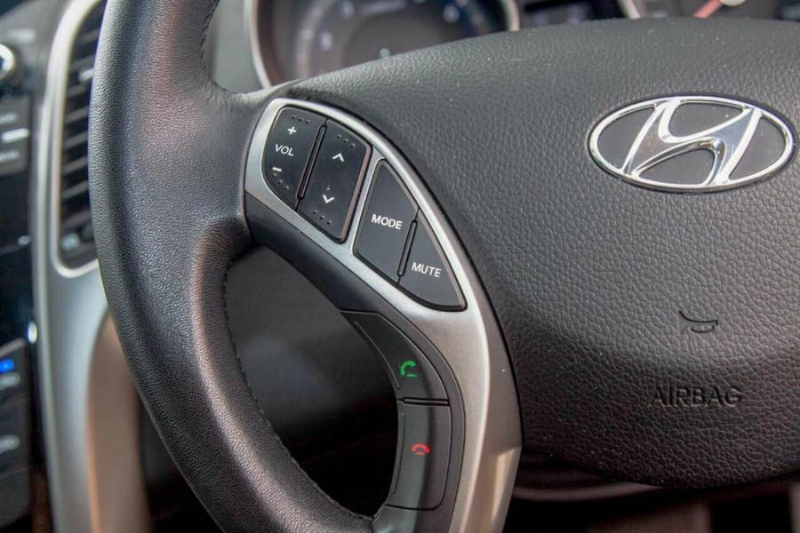 2015 Hyundai i30 GD4 Series 2 Active X Hatchback Image 13