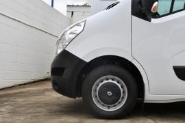2019 Renault Master Van X62 Medium Wheelbase Van Image 5