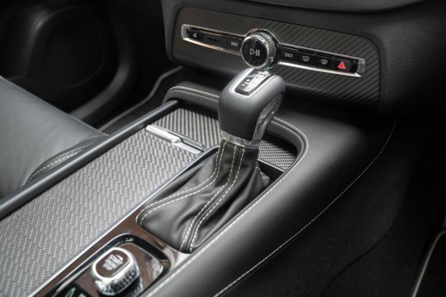 2020 Volvo XC90 L Series D5 R-Design Suv Image 31