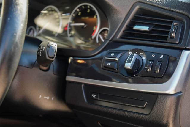 2012 BMW 5 Series F10 MY12 520d Sedan Image 14