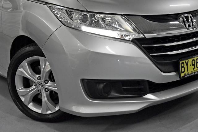 2014 Honda Odyssey 5th Gen VTi Wagon Image 5