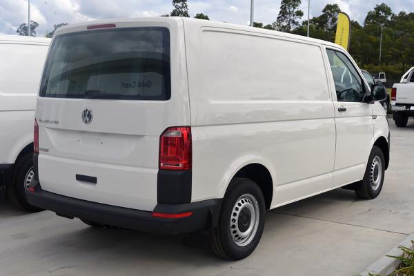2019 Volkswagen Transporter Van Image 4