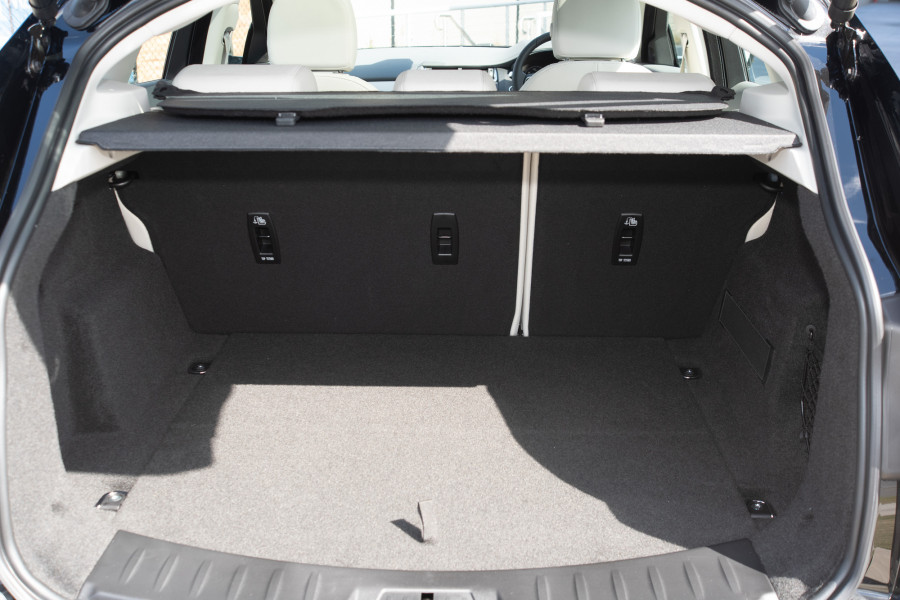 2019 Jaguar E-PACE X540 E-PACE Suv Mobile Image 12