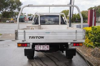 2011 Mitsubishi Triton MN MY11 GL Cab chassis Image 3