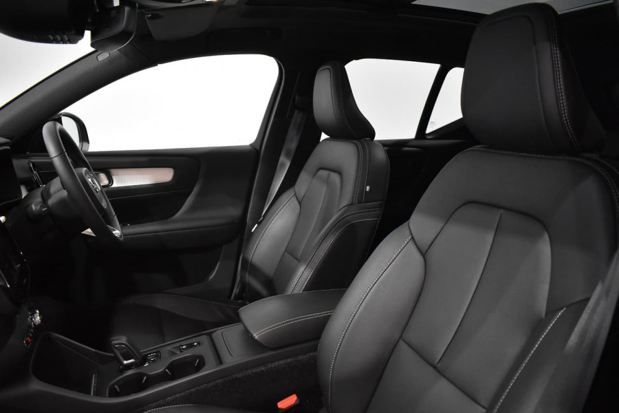 2019 Volvo Xc40 (No Series) MY19 T4 Momentum Suv Mobile Image 9