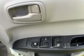 2014 MY15 Mitsubishi Triton MN MY15 GLX-R Dual cab Image 4