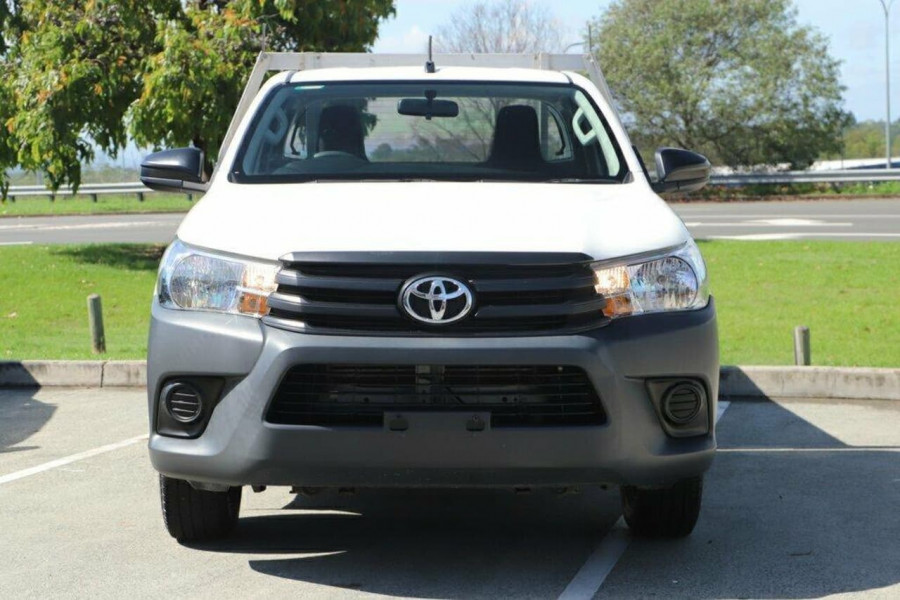 2016 Toyota HiLux GUN122R Workmate Cab chassis Image 7