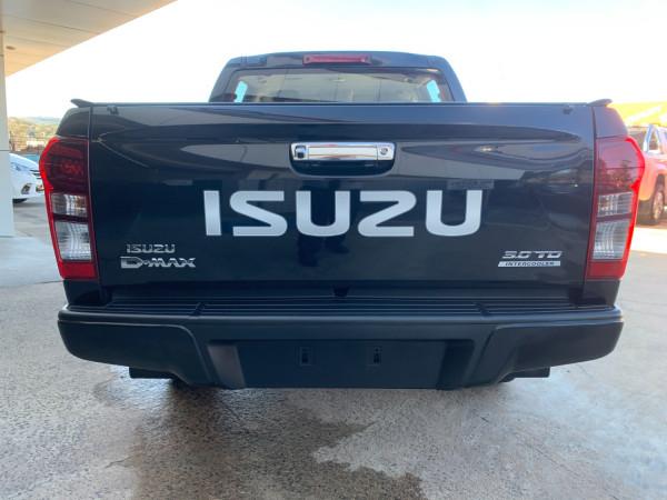 2017 Isuzu UTE D-MAX 4x4 LS-M Crew Cab Ute Dual cab Image 5