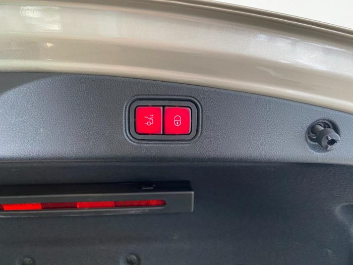 2017 Mercedes-Benz E-class C238 E300 Coupe Image 9