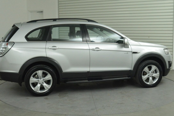 2012 Holden Captiva Vehicle Description. CG  II MY12 7 CX WAG SA 6SP 2.2DT 7 Suv Image 3