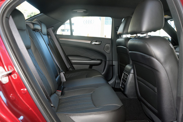 2019 Chrysler 300 C LUXURY 3.6L 8Spd Auto Sedan