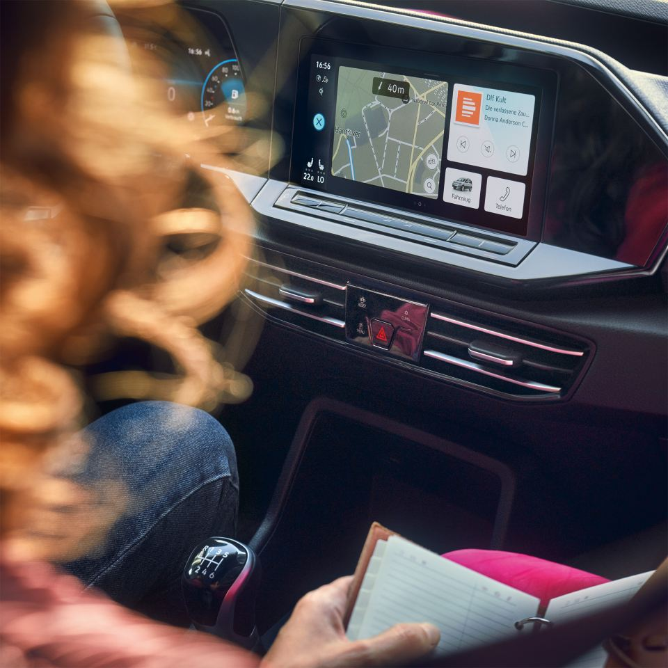 Innovation on the inside Infotainment Image