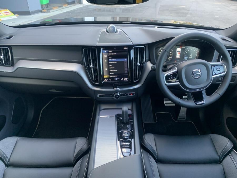 2021 Volvo XC60 UZ Recharge Suv Image 9