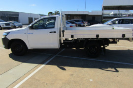 2018 Toyota HiLux Cab chassis