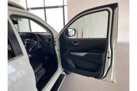 2018 Nissan Navara D23 S3 ST-X Utility Image 4