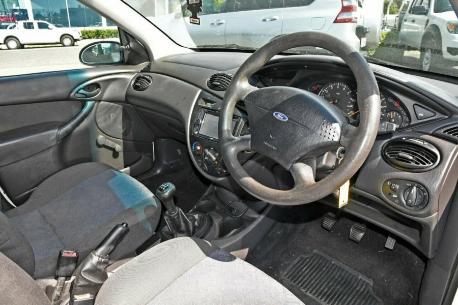 2002 MY03 Ford Focus LR MY2003 CL Hatchback
