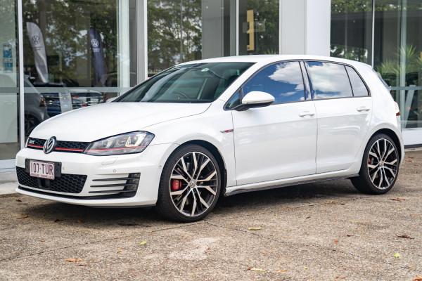2014 Volkswagen Golf Hatchback Image 3