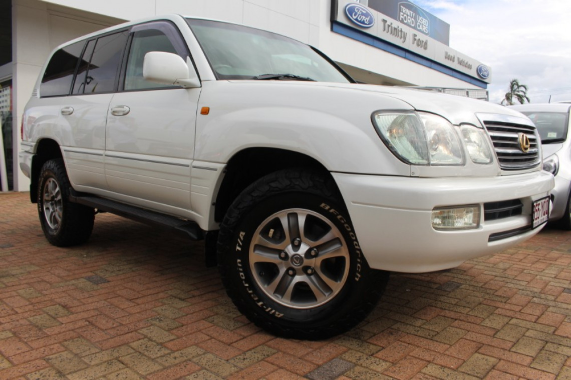 2003 lexus lx470 tire size