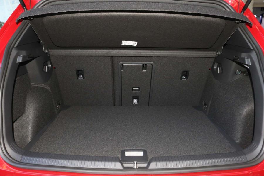 2021 Volkswagen Golf 8 GTI Hatchback Image 10