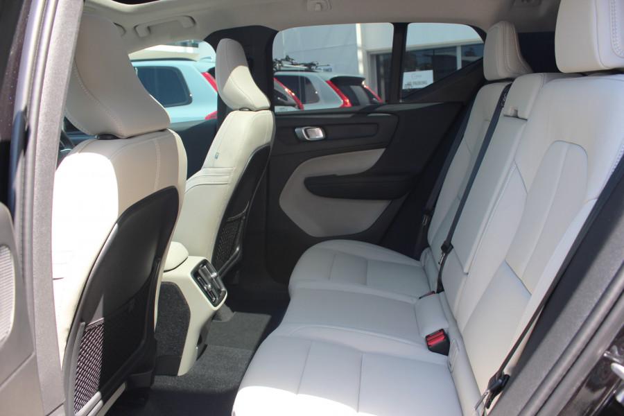 2019 MY20 Volvo XC40 XZ T4 Momentum Suv Image 11