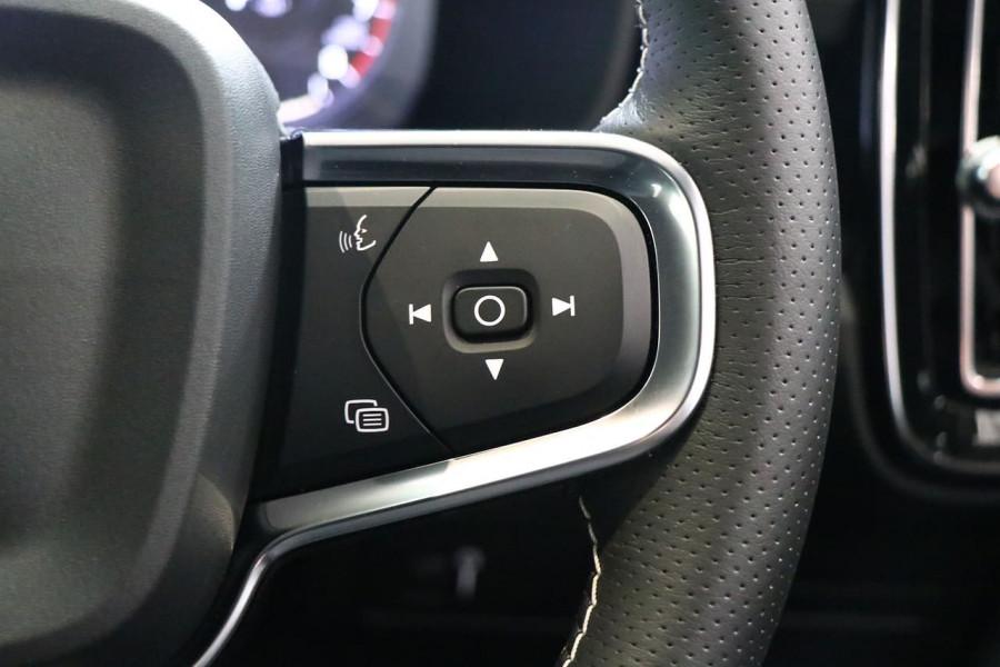 2021 Volvo XC40 XZ T5 R-Design Suv Image 11