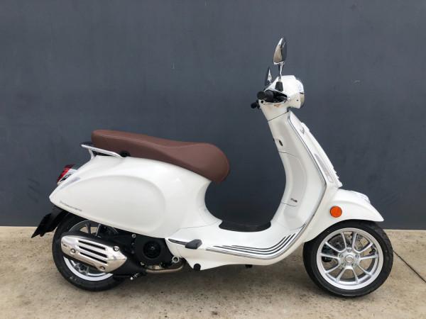 2020 Vespa Primavera 150 IGET Motorcycle