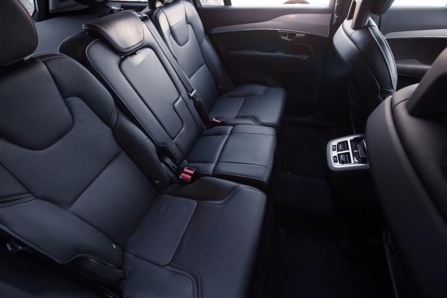 2017 Volvo XC90 L Series T6 Momentum Wagon