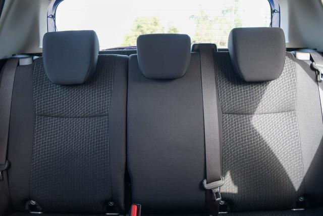2015 Suzuki Swift FZ MY15 GL Navigator Hatchback Image 17