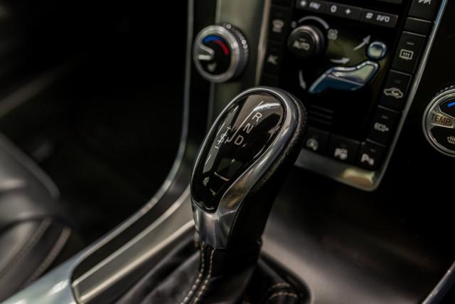 2016 MY17 Volvo S60 F Series T6 R-Design Sedan Image 31