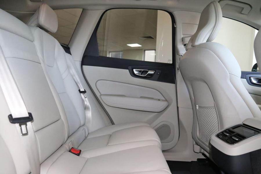 2020 MY21 Volvo XC60 UZ D4 Momentum Suv Image 14