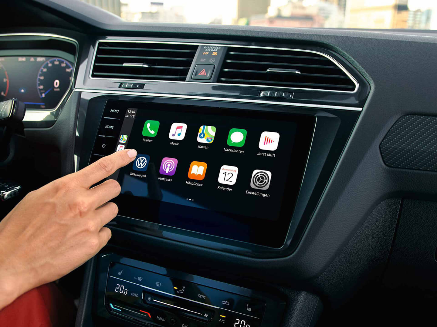 Cord-free and carefree Discover Media Navigation System Image
