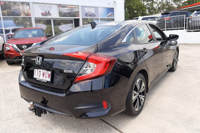 2016 Honda Civic 10th Gen  VTi-LX Sedan Image 5