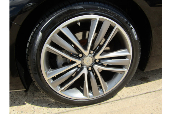 2014 Infiniti Q50 V37 S Premium Sedan Image 4