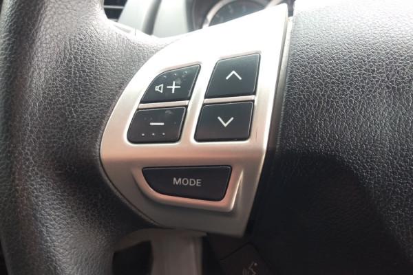 2015 Mitsubishi Triton MN MY15 GLX Utility Mobile Image 15