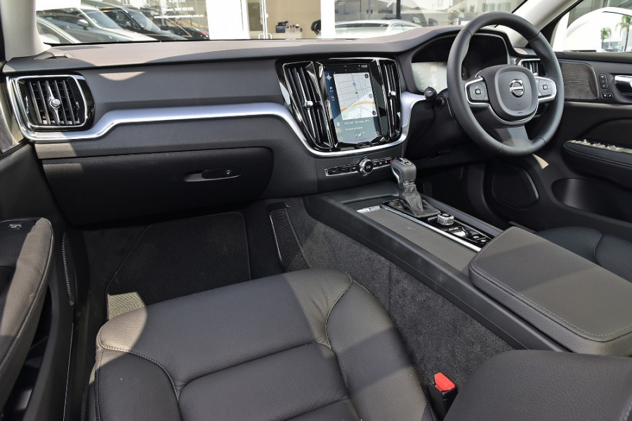 2019 MY20 Volvo V60 (No Series) T5 Momentum Wagon Mobile Image 9