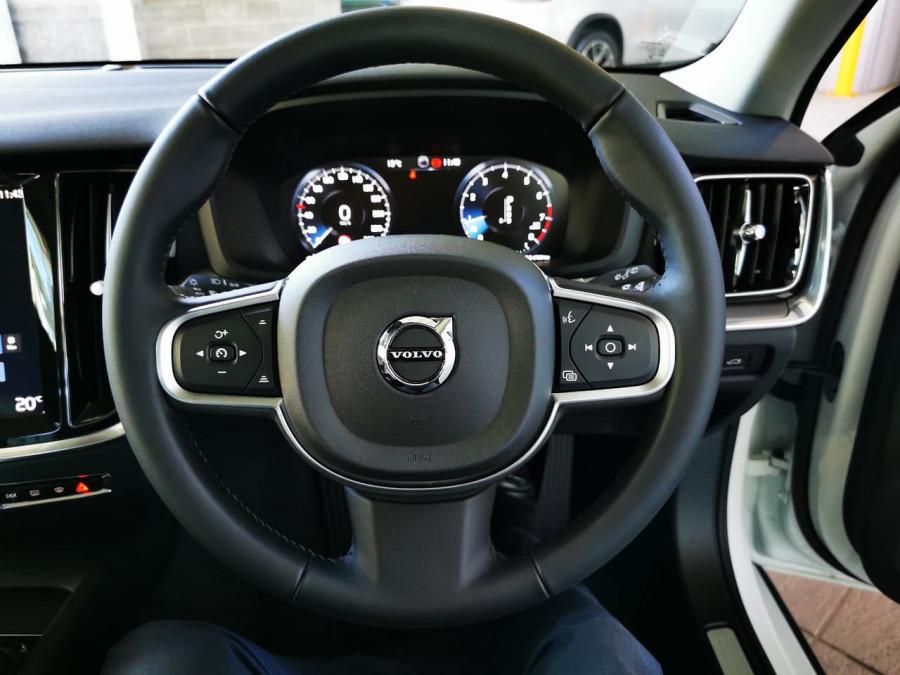 2019 Volvo V60 (No Series) MY20 T5 Momentum Wagon Image 16