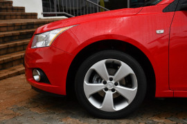 2014 Holden Cruze Vehicle Description. JH  II MY14 EQUIPE SED 4DR SA 6SP 1.8I Equipe Sedan Image 5