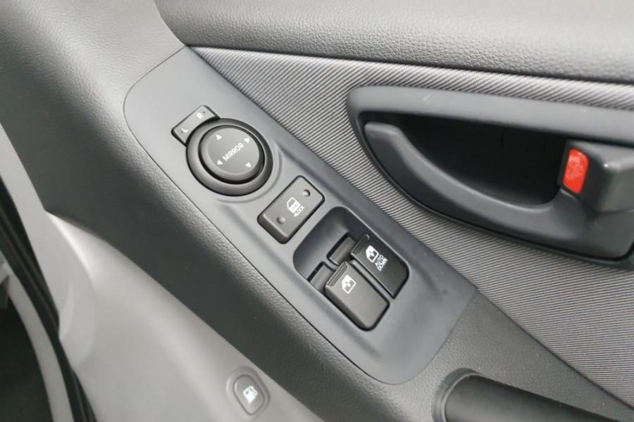 2019 Hyundai iLoad TQ4 Van Van Image 15