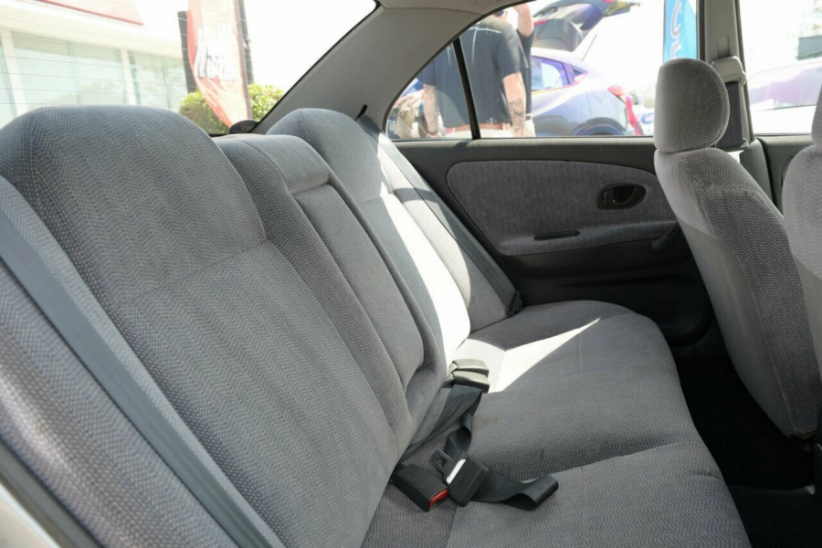 1998 Mitsubishi Lancer CE GLi Sedan Image 8