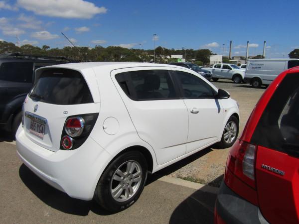 2016 Holden Barina TM MY16 CD Hatchback Image 2