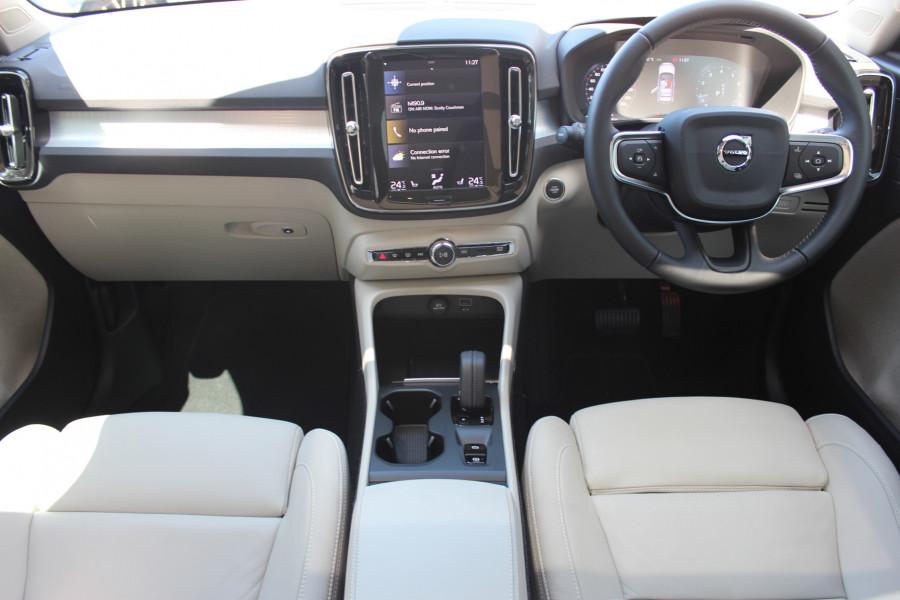 2019 MY20 Volvo XC40 XZ T4 Momentum Suv Image 9