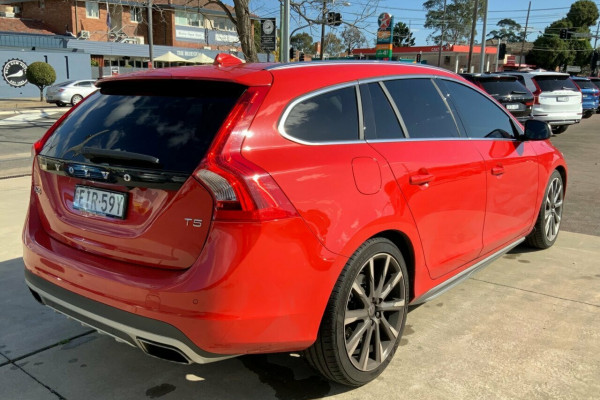 2015 Volvo V60 F Series MY15 T5 Geartronic Kinetic Wagon Image 4